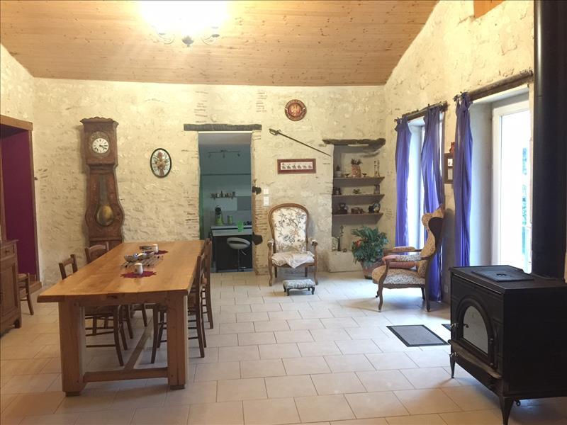 Maison SAUSSIGNAC - (24)