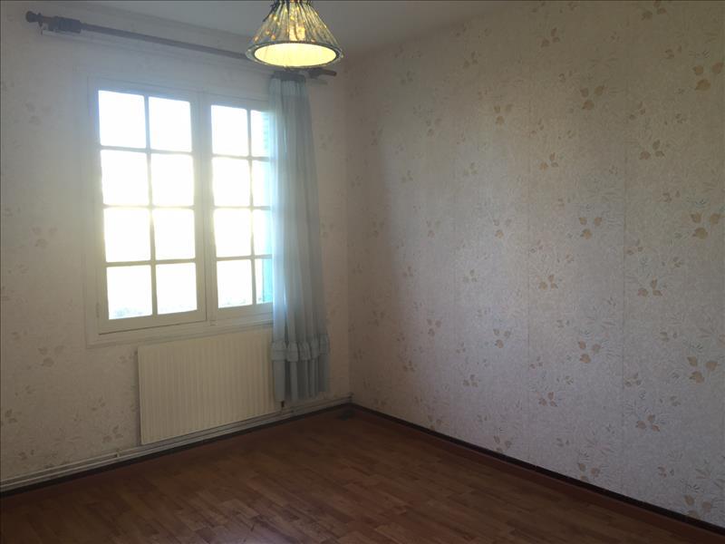 Maison VELINES - 4 pièces  -   130 m²