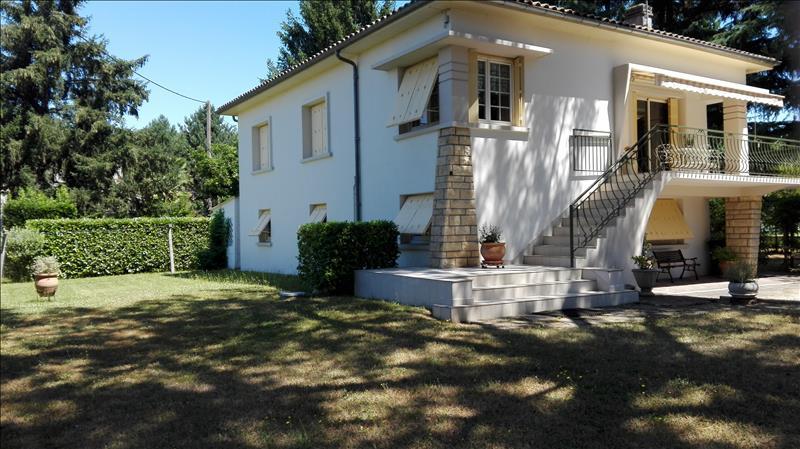 Maison PORT STE FOY ET PONCHAPT - 8 pièces  -   180 m²