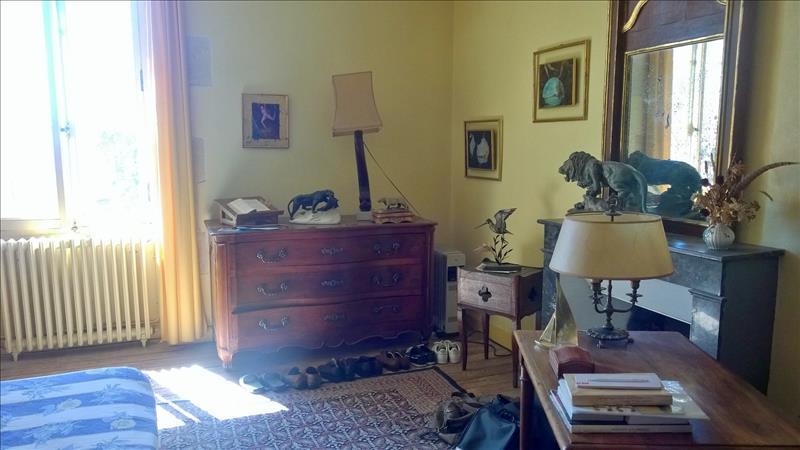 Maison PESSAC SUR DORDOGNE - 6 pièces  -   80 m²