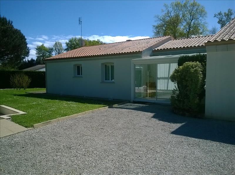 Maison BREUILLET - 6 pièces  -   155 m²