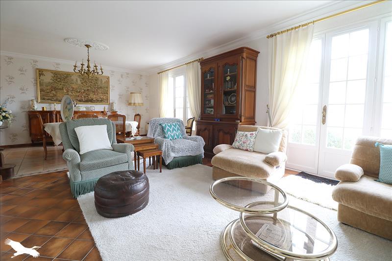 Vente Maison St Germain Du Puy 18390 5 Pieces 150 M 336 764 Bourse De L Immobilier