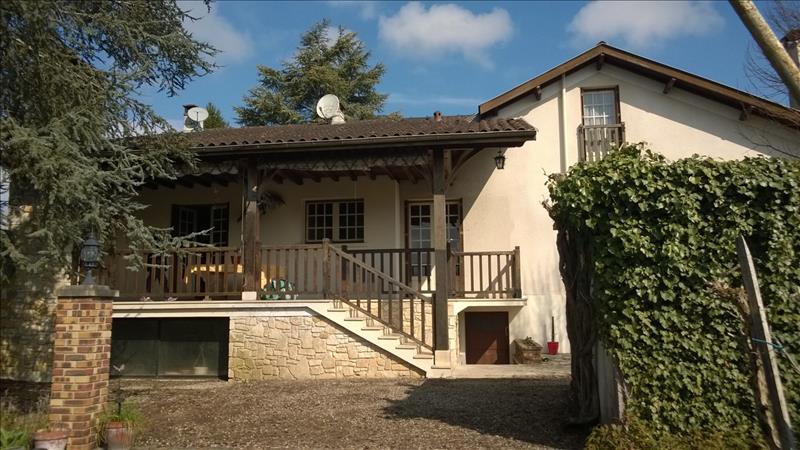 Maison BERGERAC - 9 pièces  -   215 m²