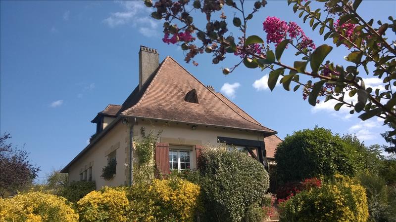 Maison BERGERAC - 5 pièces  -   327 m²