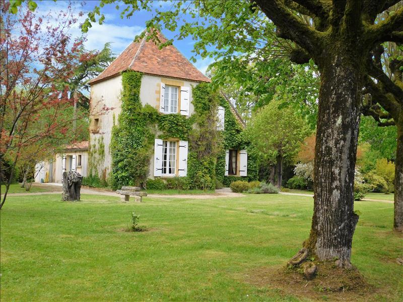 Vente Maison BERGERAC (24100) - 8 pièces 187 m²