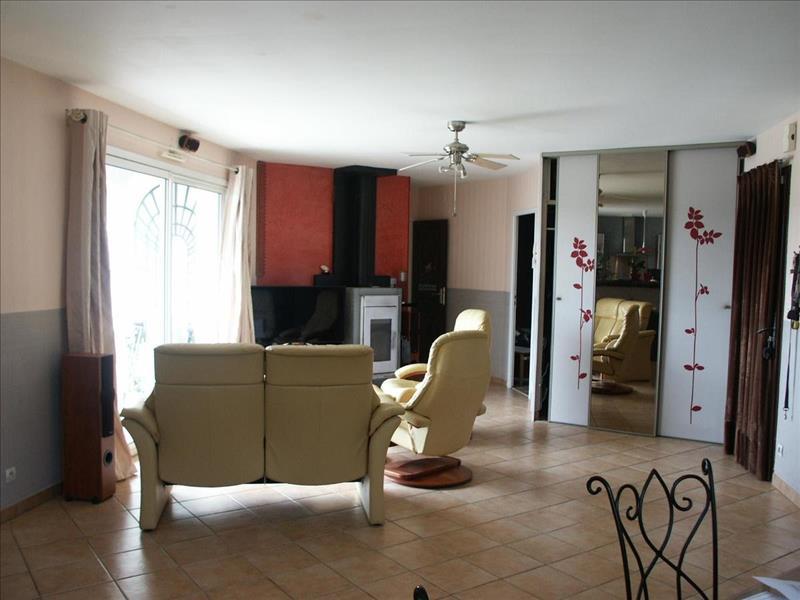 Vente Maison MORNAC (16600) - 6 pièces - 130 m² -
