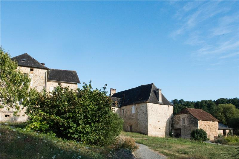 Vente Maison AYEN (19310) - 7 pièces 285 m²