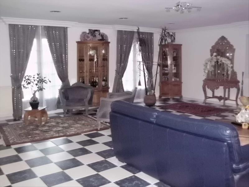 Maison LES EGLISOTTES ET CHALAURES - 4 pièces  -   160 m²