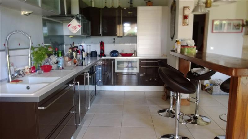 Maison COUTRAS - 6 pièces  -   258 m²