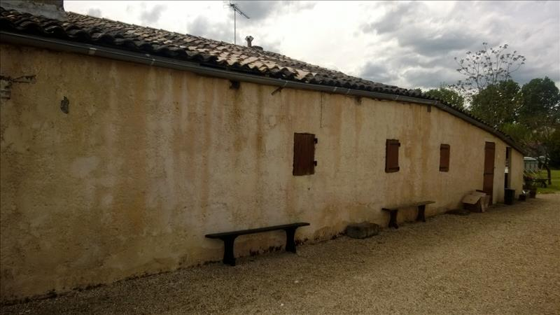 Maison LES PEINTURES - 4 pièces  -   145 m²