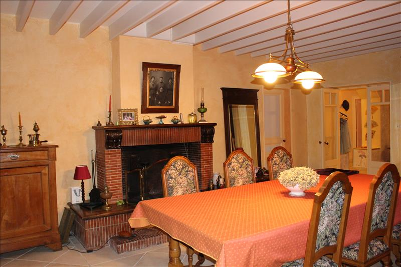 Vente Maison MONTCARET (24230) - 9 pièces - 282 m² -