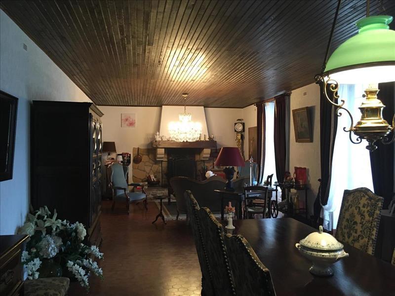 Vente Maison LAMOTHE MONTRAVEL (24230) - 12 pièces - 176 m² -