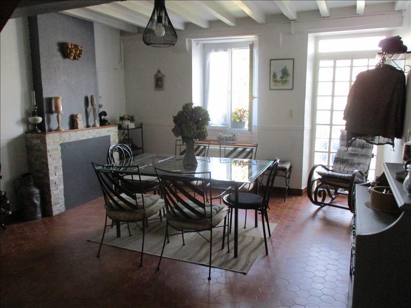 Maison  - 6 pièces    - 135 m² - ST BOES (64)