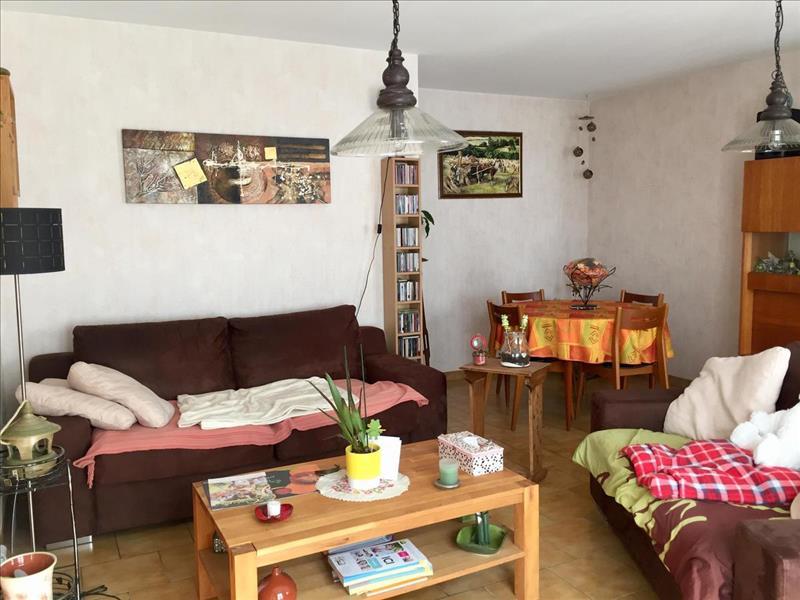 Vente Maison CONFOLENS (16500) - 3 pièces - 70 m² -