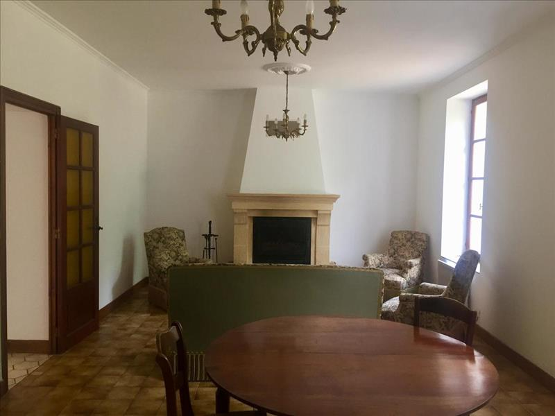 Vente Maison CONFOLENS (16500) - 4 pièces - 112 m² -