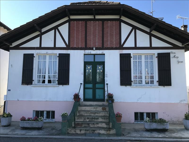 Maison  - 7 pièces    - 100 m² - TILH (40)