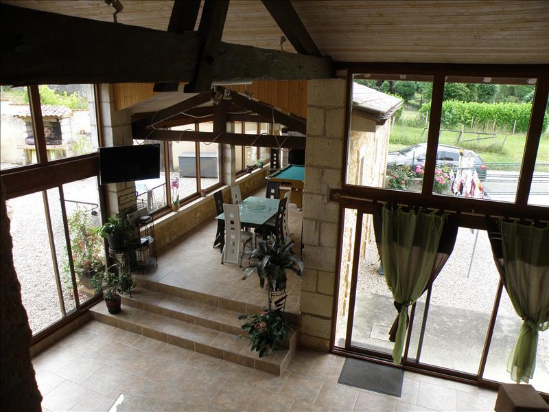 Maison SOURZAC - 5 pièces  -   220 m²