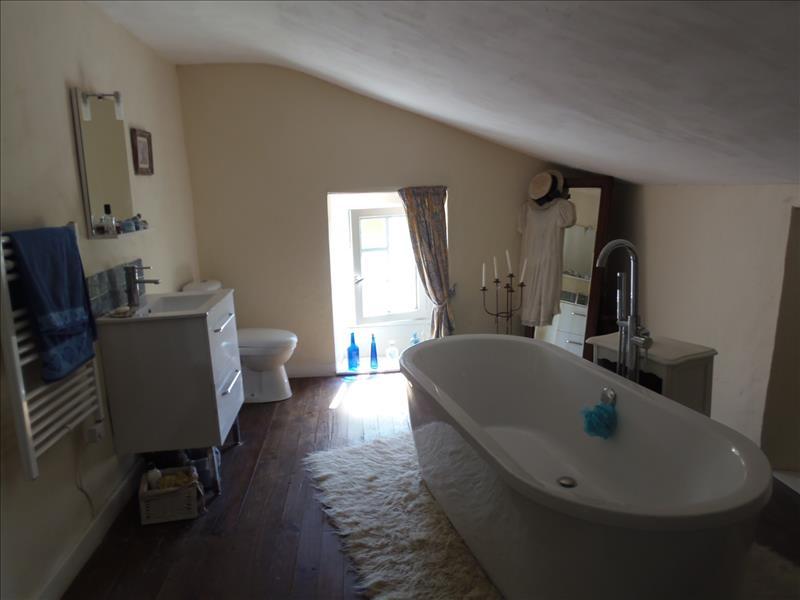 Maison BEAURONNE - 3 pièces  -   100 m²