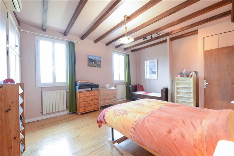 Maison TOURNEFEUILLE - 10 pièces  -   252 m²
