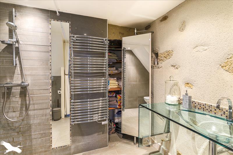 Maison  - 4 pièces    - 111 m² - VERDELAIS (33)
