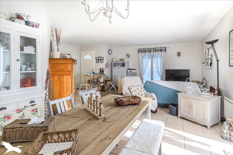 Maison  - 4 pièces    - 102 m² - VERDELAIS (33)