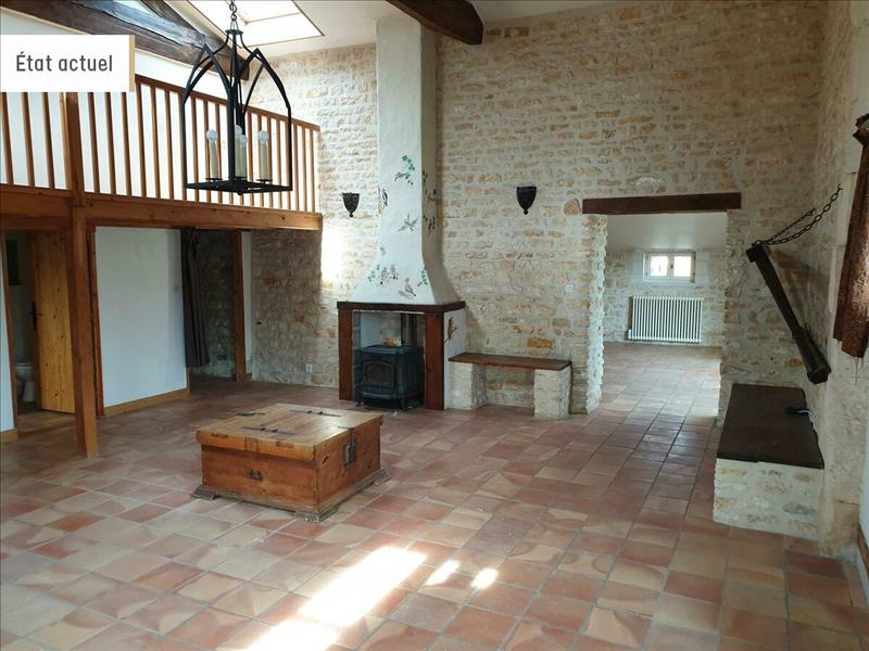Vente Maison BEURLAY (17250) - 4 pièces - 132 m² -