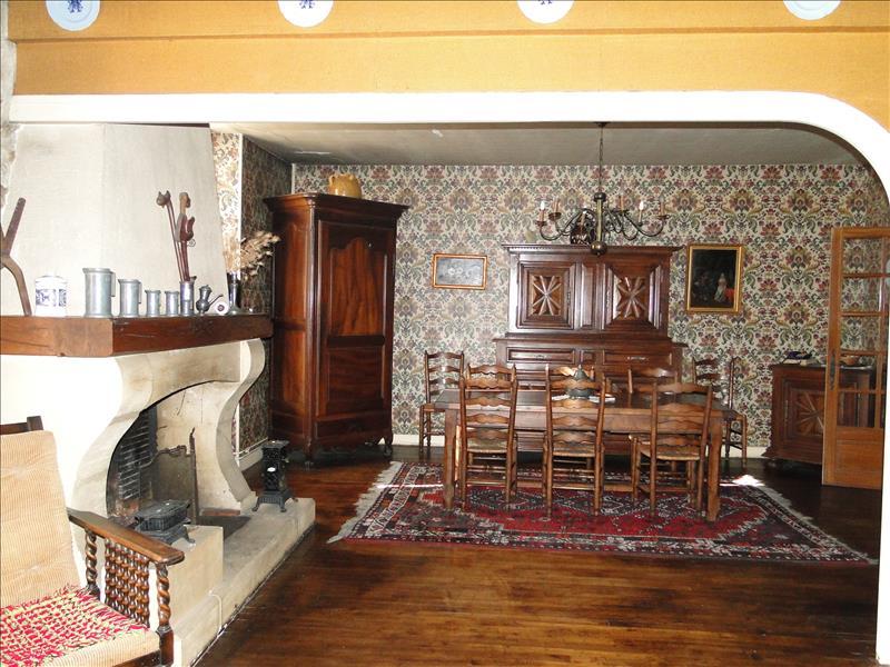 Maison RIBERAC - 7 pièces  -   170 m²