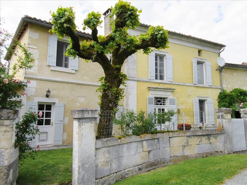 Maison VERTEILLAC - 6 pièces  -   164 m²