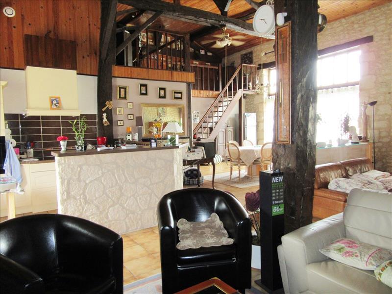Maison ST ANTOINE CUMOND - 4 pièces  -   162 m²