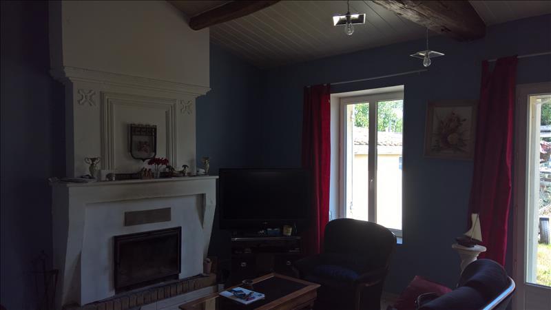Maison ST CIERS SUR GIRONDE - 5 pièces  -   133 m²