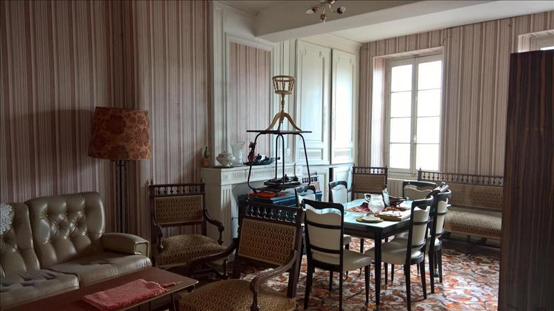 Vente Maison BLAYE (33390) - 5 pièces - 216 m² -