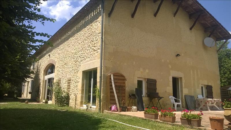Maison MORIZES - 6 pièces  -   200 m²