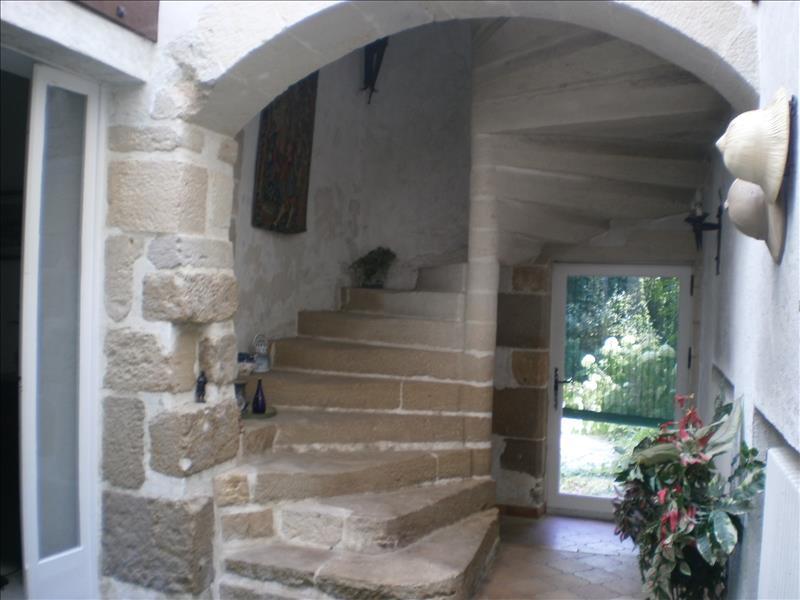 Maison LA REOLE - 8 pièces  -   255 m²