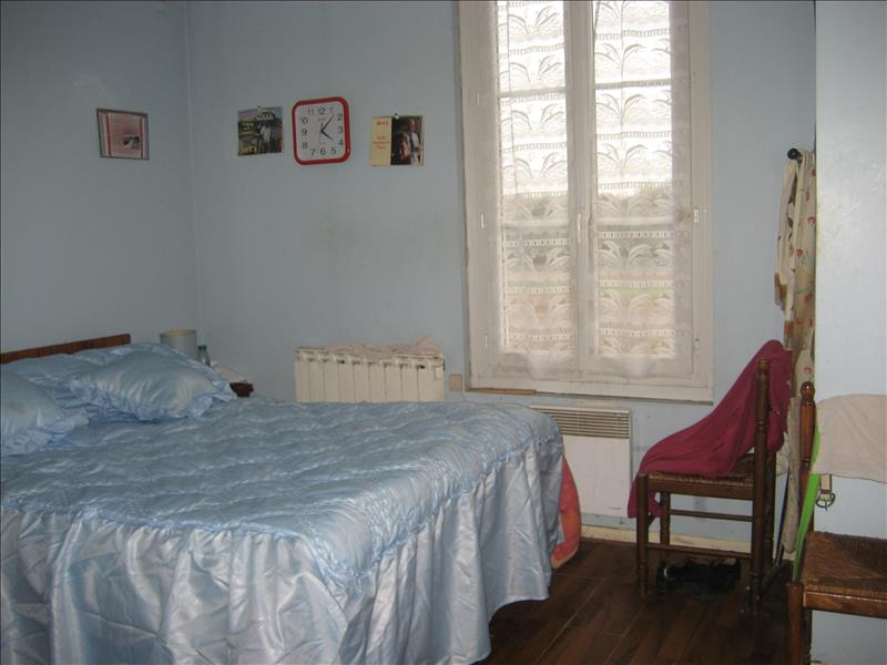 Maison LA REOLE - 6 pièces  -   180 m²