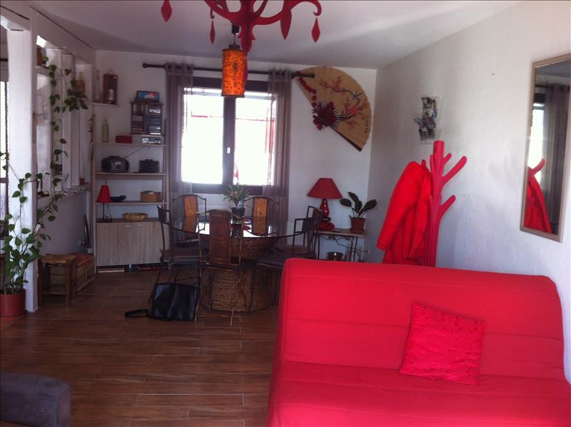 Maison GIRONDE SUR DROPT - 6 pièces  -   120 m²