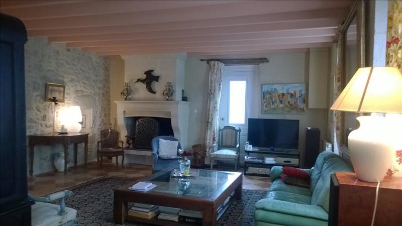 Maison NEUFFONS - 9 pièces  -   420 m²