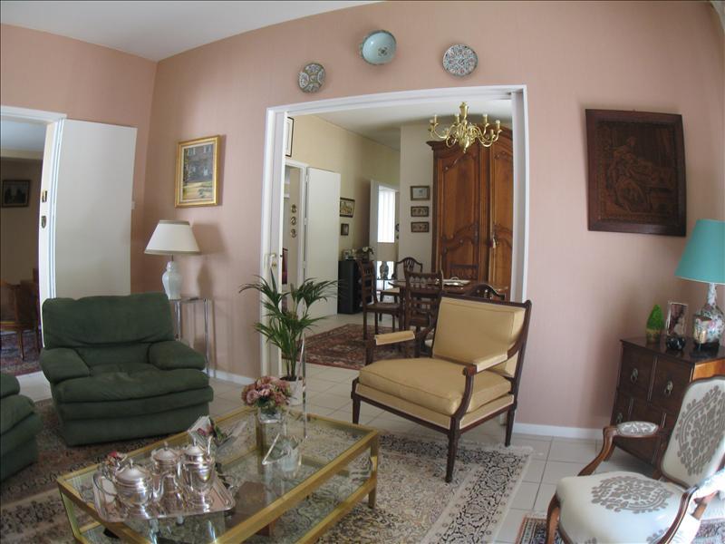 Maison LESPARRE MEDOC - 8 pièces  -   260 m²