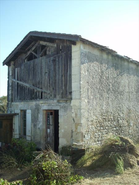 Immeuble ST SEURIN DE CADOURNE - (33)