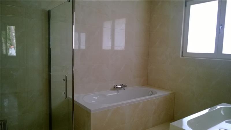 Maison ST GEORGES DE DIDONNE - 6 pièces  -   245 m²