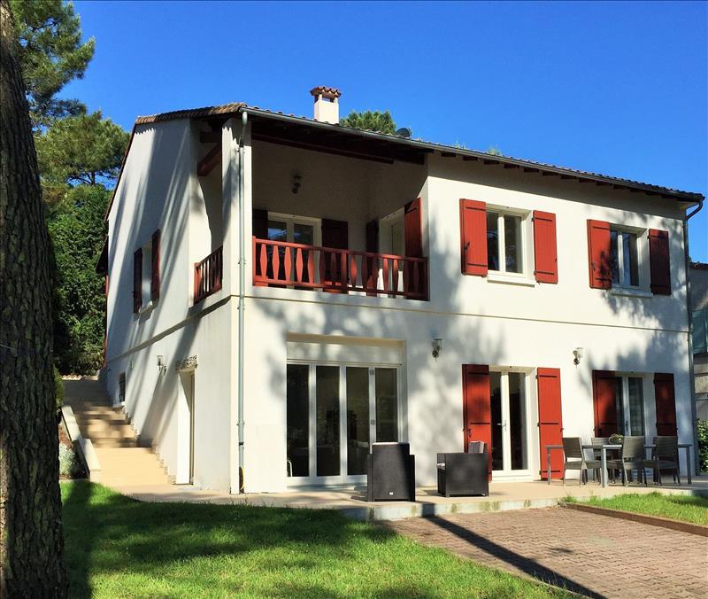 Vente Maison ST GEORGES DE DIDONNE (17110) - 6 pièces 245 m²