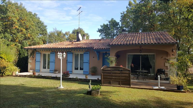 Maison MAREUIL - 7 pièces  -   116 m²