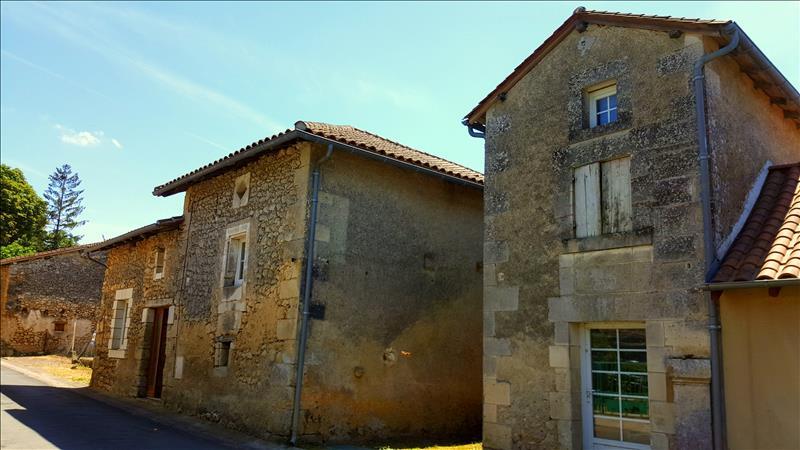 Maison ST JULIEN DE BOURDEILLES - 4 pièces  -   172 m²