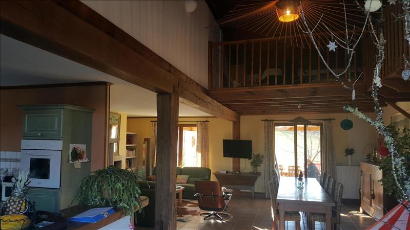Vente Maison CHAMPEAUX ET LA CHAPELLE POMMIER (24340) - 8 pièces - 147 m² -