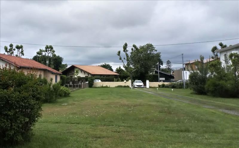 Vente Terrain ARES (33740) - 647 m² -