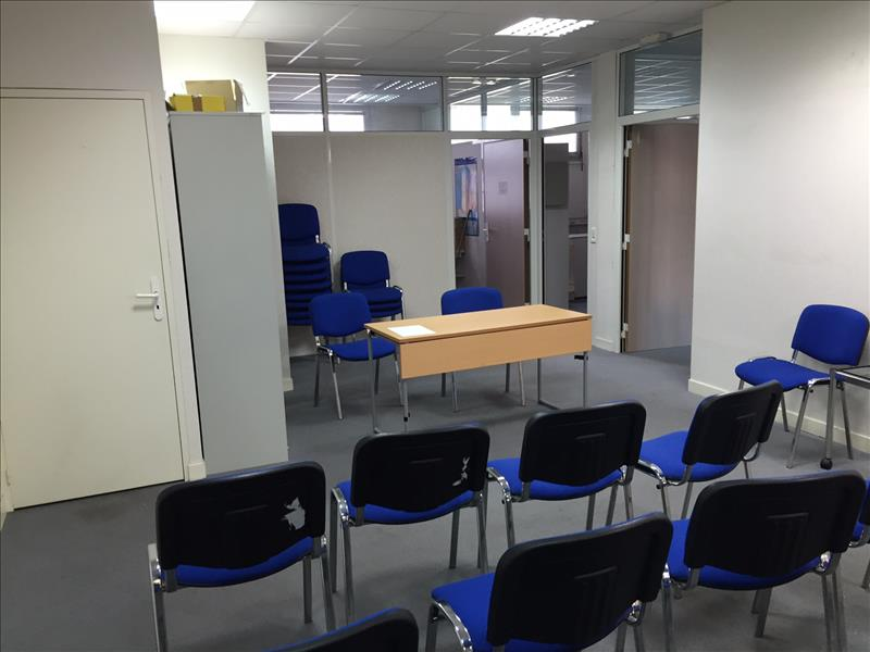 Local commercial CERGY -  -   203 m²