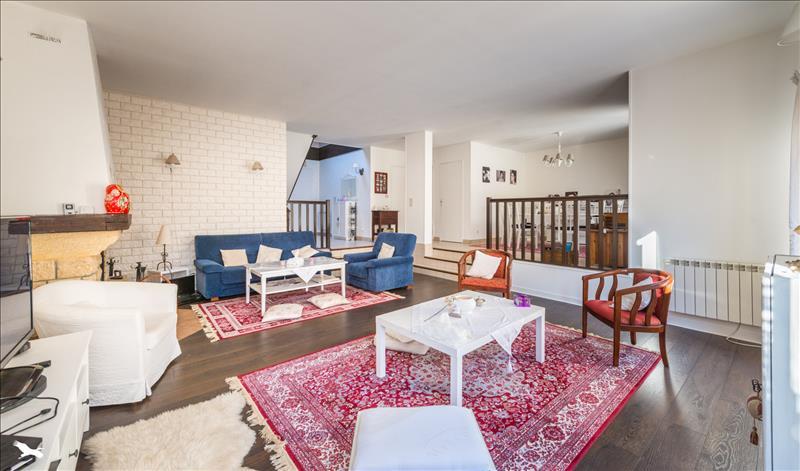 Vente Maison CERGY (95800) - 8 pièces 156 m²