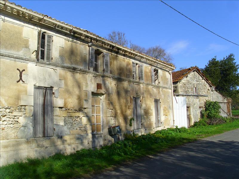 Vente Maison ROUFFIGNAC (17130) - 3 pièces 102 m²