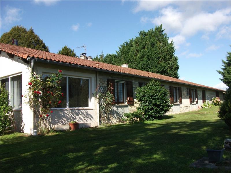 Vente Maison LE PIN (17210) - 5 pièces 224 m²