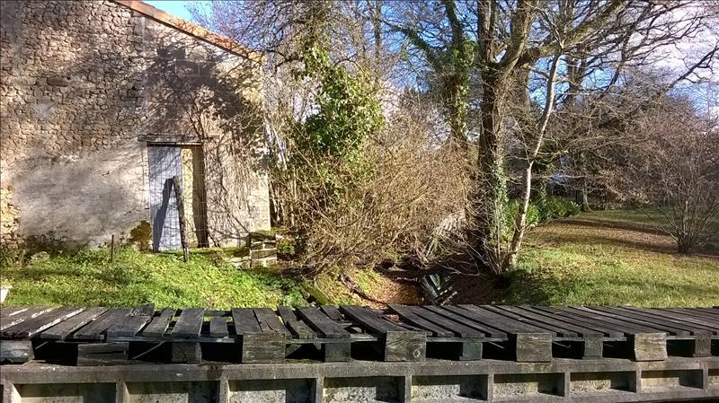 Maison CHAMOUILLAC - 5 pièces  -   126 m²