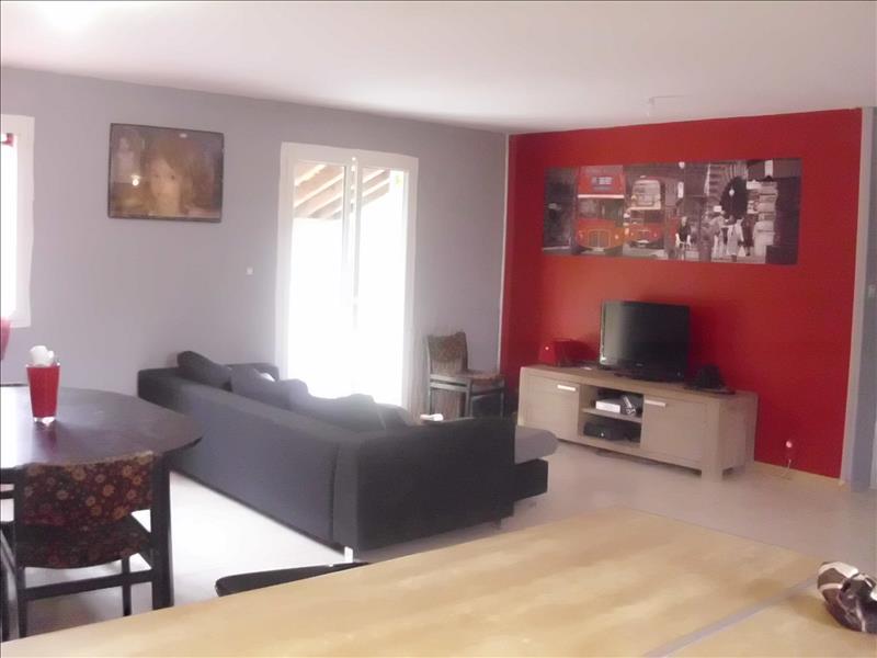 Maison CHARDES - 4 pièces  -   85 m²